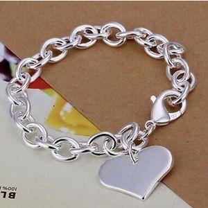 Jewelry - Silver heart link bracelet